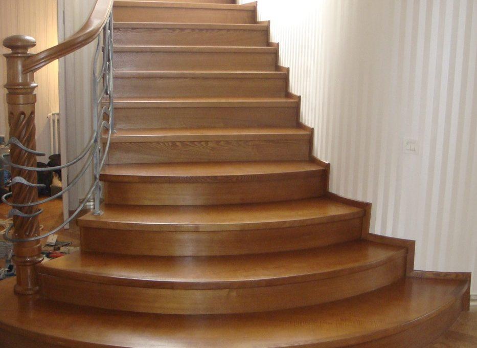 Из какого дерева сделать лестницу